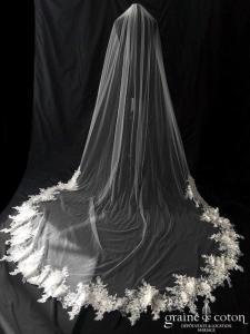 Bianco Evento - Voile simple long de 280 cm en soft tulle ivoire bordé d'une dentelle brodée et perlée (S307 sans rabat)
