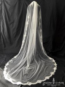 Bianco Evento - Voile simple long de 250 cm en soft tulle ivoire bordé d'une fine dentelle (S218)