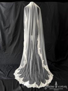Pronovias - Voile long de 2 mètres sans rabat en tulle fluide ivoire bordé de dentelle