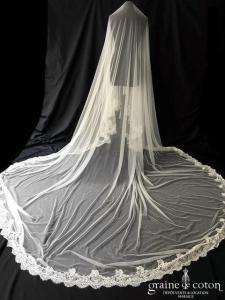 Rosa Clara - Voile long de 4 mètres en tulle de soie ivoire clair bordé de dentelle