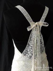Laure de Sagazan - Ambroise (fluide crêpe de soie dentelle bretelles droite bohème dos-nu taille-basse dos boutonné)