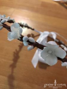 Création - Couronne de petites fleurs blanches