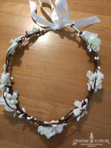 Création - Couronne de grosses et petites fleurs blanches