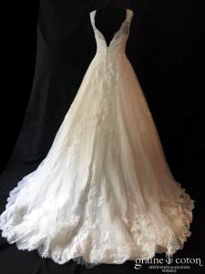White One pour Pronovias - Samaya (princesse taille-haute bretelles dentelle tulle fluide décolleté-V dos boutonné)
