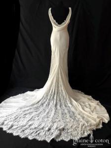 Atelier Pronovias - Celmira (satin de soie fluide dentelle bénitier droite fourreau sirène bretelles dos-nu)