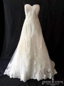 White One pour Pronovias - Fabiella (bustier laçage dentelle guipure A-line princesse fluide coeur taille-haute)