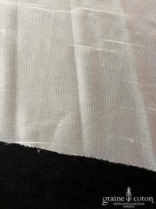 San Patrick pour Pronovias - Voile long de 3 mètres simple en tulle souple ivoire bord brut (sans rabat)