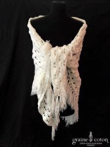 Création - Châle en laine blanche ajouré et fait main