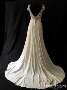Pronovias - Ana (sirène fourreau A-line crêpe de soie dos-nu fluide manches bretelles perles taille-haute)