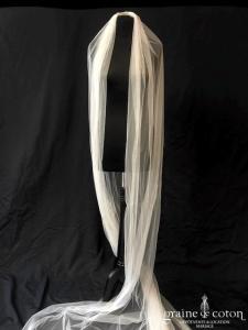 Amarildine - Voile long de 4 mètres en tulle ivoire clair irisé fluide bords bruts (sans rabat)