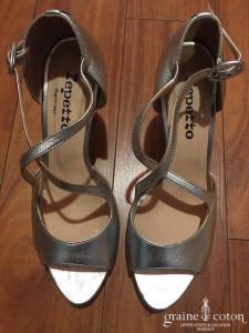 Repetto - Sandales (chaussures) argentées à lanières croisées