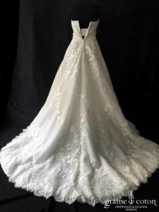 Pronovias - Elcira (princesse tulle dentelle bustier coeur fluide taille-haute dos boutonné)