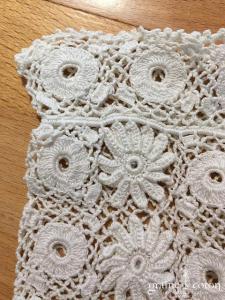 Vintage - Gants courts filet en dentelle de coton écrue motif fleurs
