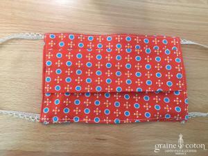 Création Graine de coton - Masque enfant fait main en coton et dentelle à plis triple épaisseur et poche à filtre