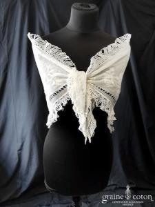 Création - Mantille triangulaire en coton et soie ivoire (vintage châle étole)