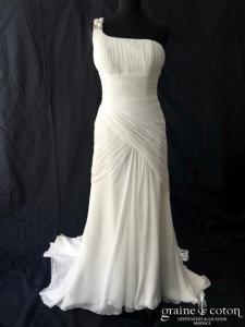 La Sposa pour Pronovias - Mus (fluide mousseline drapé bretelles fourreau strass perles)