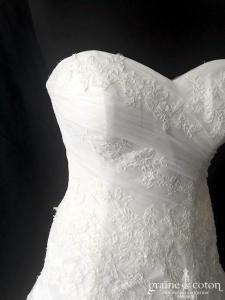 Pronovias - Dagen (coeur dos boutonnée tulle dentelle de Calais drapé princesse taille-basse taille-haute bustier)