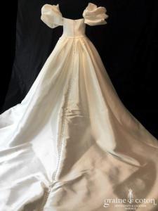 Pronovias - Ixion (manches bustier mikado taille-haute princesse poches drapé)