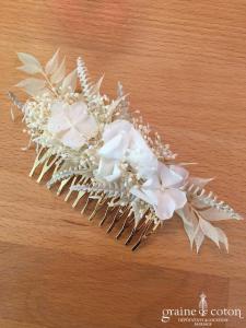 Les couronnes de Victoire - Peigne Wendy en fleurs stabilisées ivoires