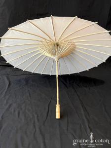 Création - Ombrelle blanche en papier de riz