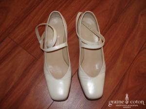 Suzanne Ermann - Escarpins (chaussures) ivoires