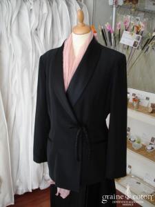 123 - Veste noire en satin (non stocké en boutique, essayage sur demande)