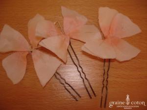 Pics à chignon fleurs en tissu saumon - Lot de 3