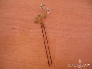 Pic à chignon perles vertes montées sur fil câblé