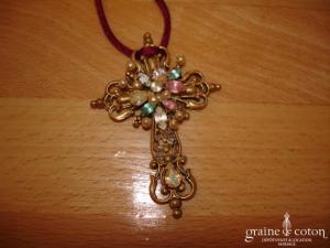Christian Lacroix - Croix dorée avec pierres