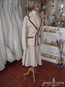 Multiples - Tailleur jupe en coton beige (non stocké en boutique, essayage sur demande)