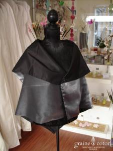Erika Joy - Étole cape en soie grise