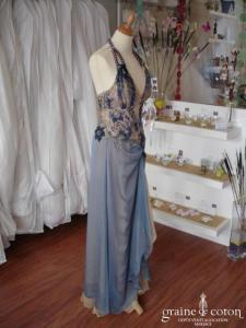 Invito Haute Couture - Robe de soirée longue en soie bleue et dorée (non stocké en boutique, essayage sur demande)