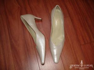 Salamander - Escarpins (chaussures) en cuir blanc nacré