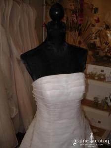 Les mariées d'Elodie - Robe une pièce à bandes horizontales (organza)