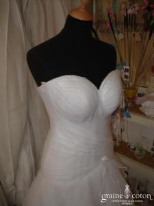 Créateur israëlien - Robe une pièce ivoire avec bustier drapé (organza)