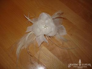 Pronovias - Peigne fleur et plumes blanc